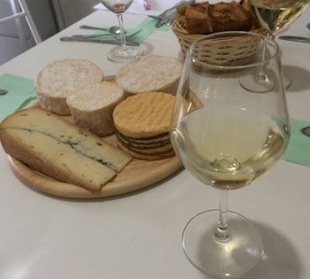 5 assorted of cheese and good bread wiht white wine.JPG