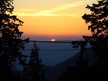 三峯からの朝日.JPG