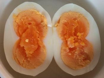 双子のゆで卵.JPG