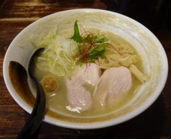 濃厚鶏白湯そば.JPG